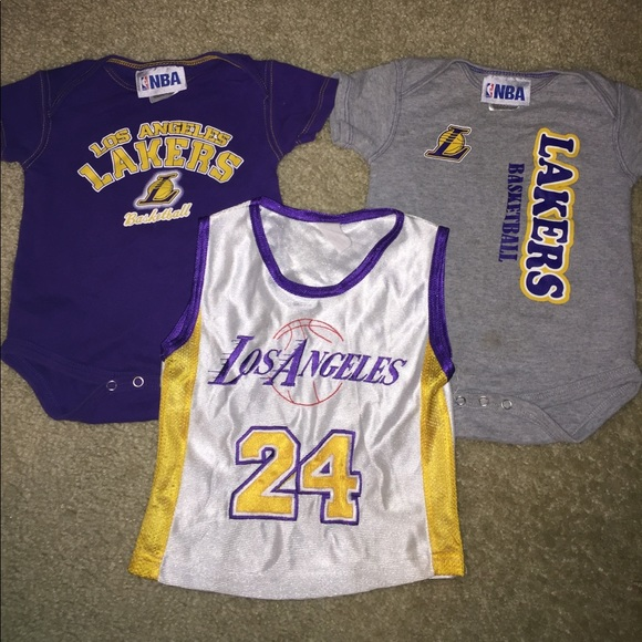 d967ce62683b ... LA Lakers onesies and jersey. M 5ab85b418af1c5edc023e5ed